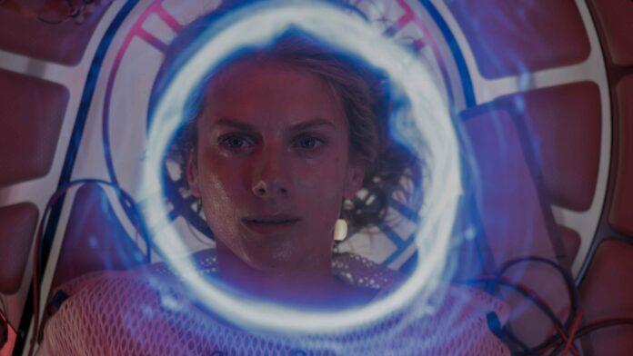 Oxygène recensione film Netflix di Alexandre Aja con Mélanie Laurent