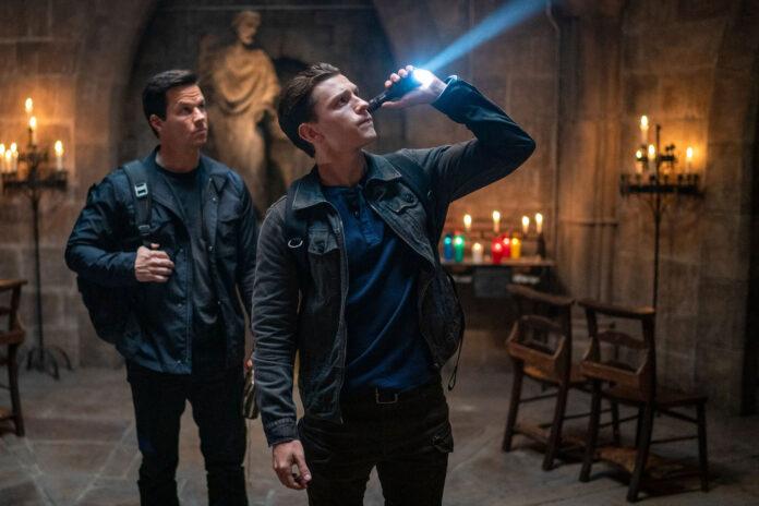 Uncharted: Tom Holland e Mark Wahlberg sono Nathan Drake e Sully