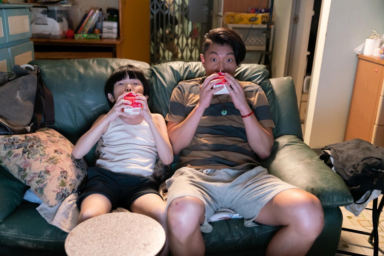 Hung Cheuk-lok e Endy Chow in una scena del film