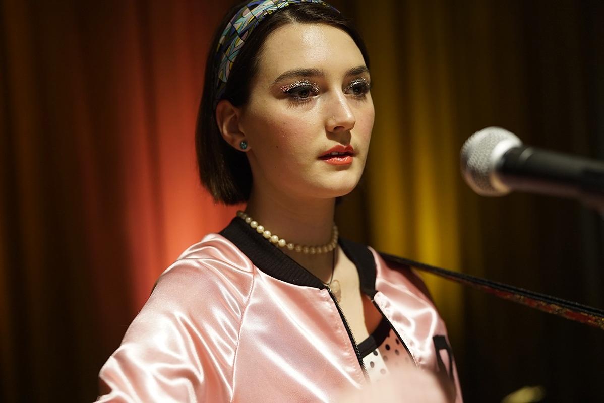 Sidney FlaniganMai raramente a volte sempre recensione film di Eliza Hittman con Sidney Flanigan e Talia Ryder
