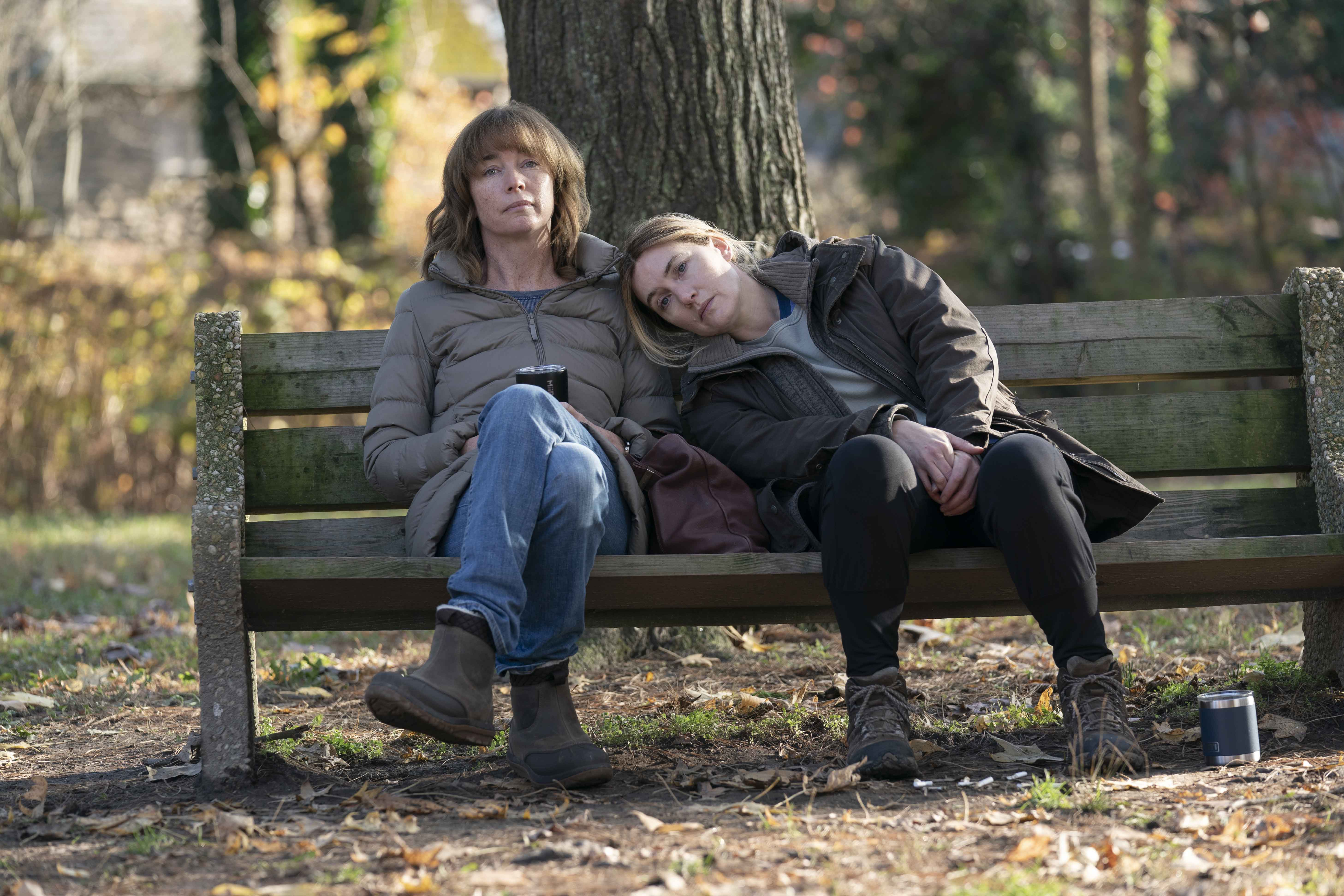Omicidio a Easttown recensione miniserie TV Sky con Kate Winslet