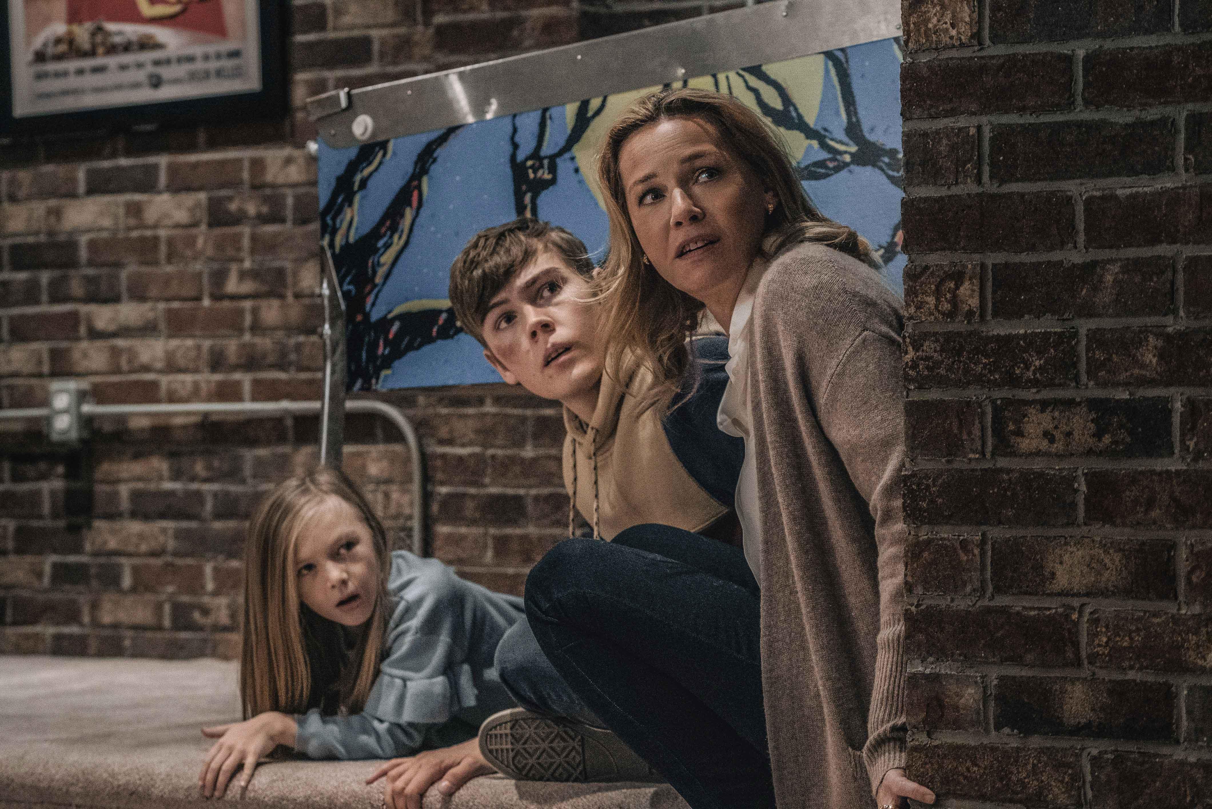 Paisley Cadorath, Gage Munroe e Connie Nielsen