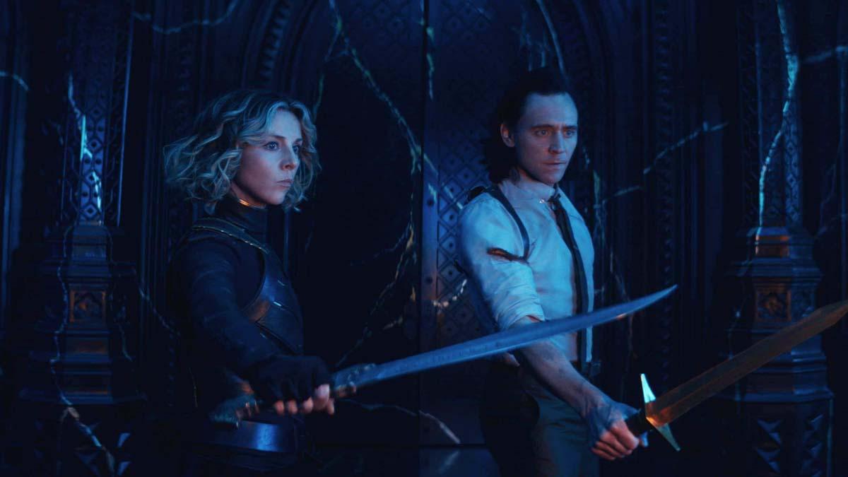 Sophia Di Martino e Tom Hiddleston in Loki