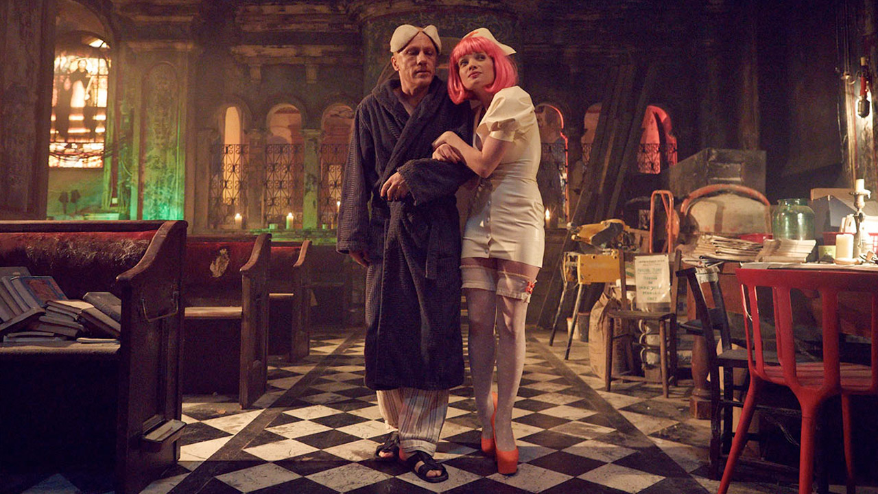 Christoph Waltz e Mélanie Thierry in The Zero Theorem di Terry Gilliam