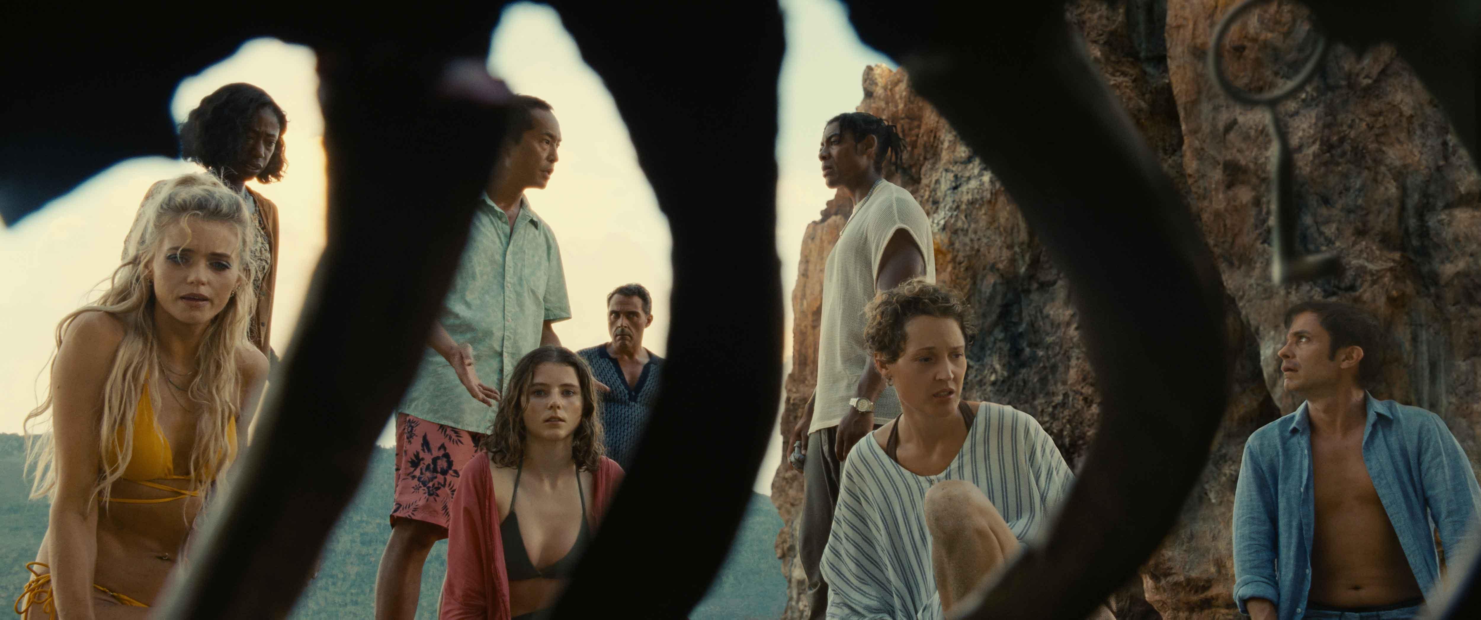 Old: dal 21 luglio al cinema il nuovo film di M. Night Shyamalan con Vicky Krieps