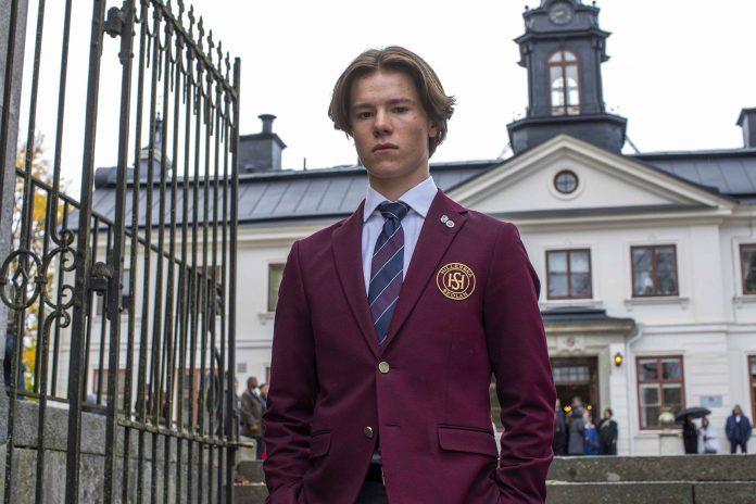 Young Royals recensione serie TV Netflix con Edvin Ryding e Omar Rudberg
