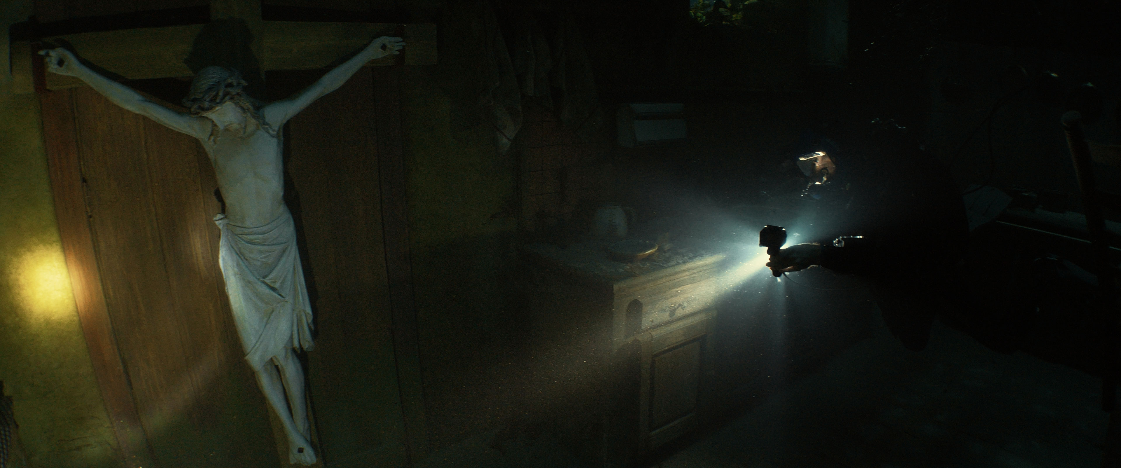 La casa in fondo al lago recensione film di Julien Maury e Alexandre Bustillo