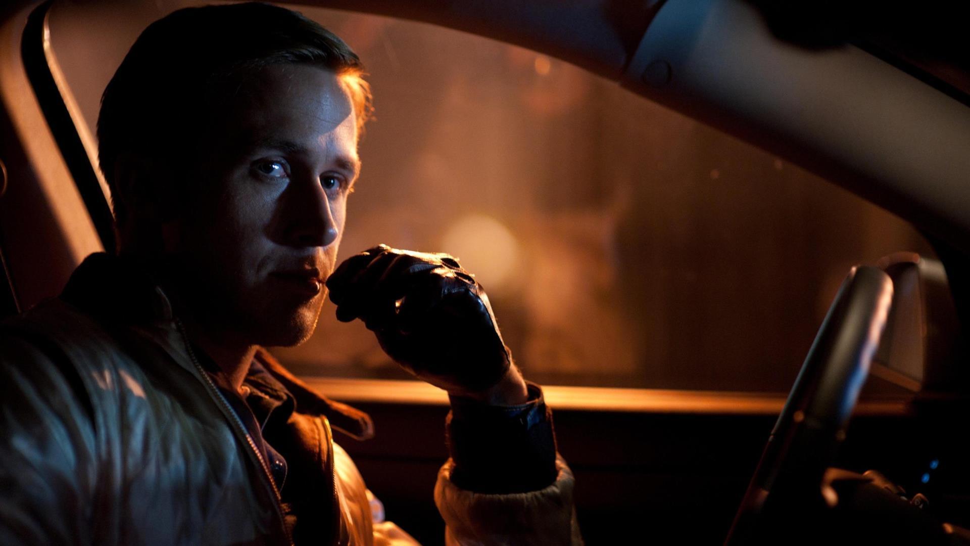 Ryan Gosling interpreta il pilota in Drive (2011)
