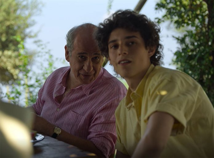 È stata la mano di Dio recensione film di Paolo Sorrentino a Venezia 78