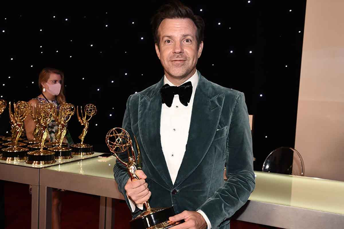 Jason Sudeikis vince l'Emmy per Ted Lasso