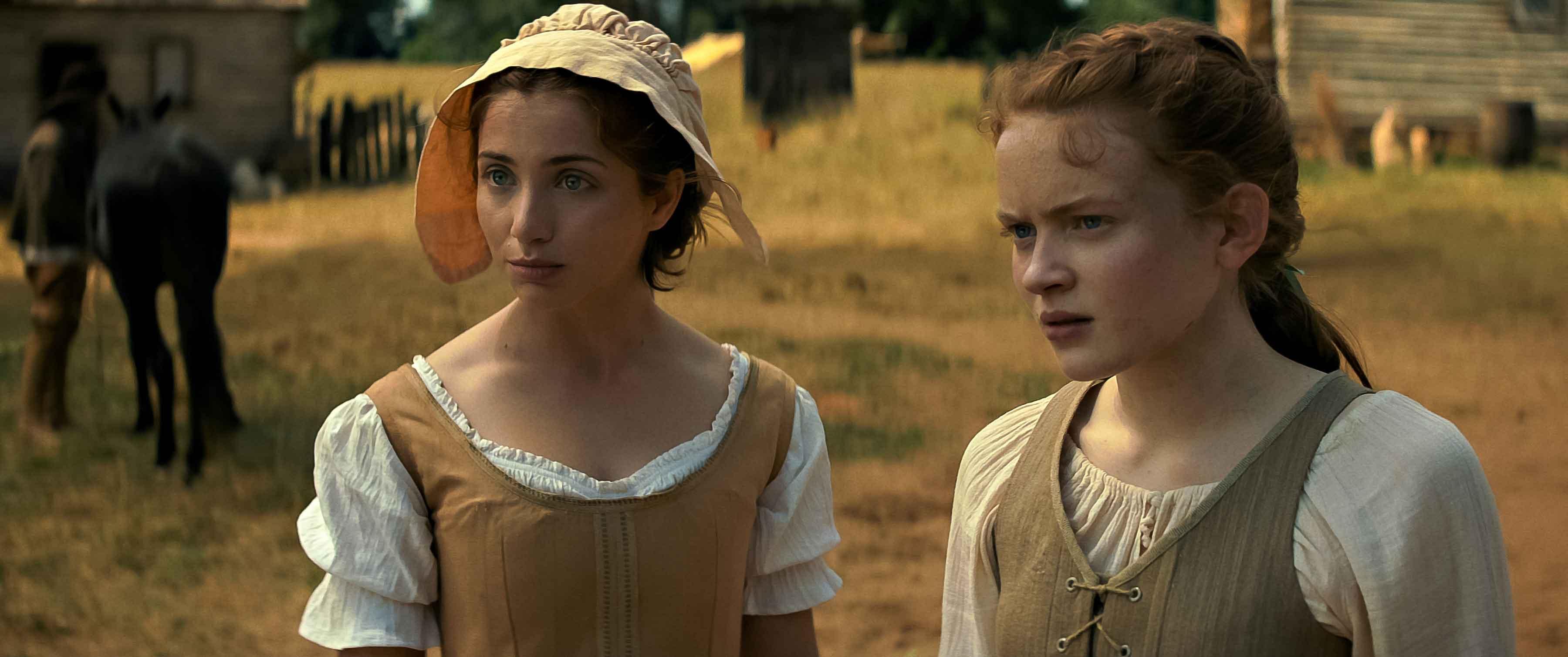 Emily Rudd e Sadie Sink