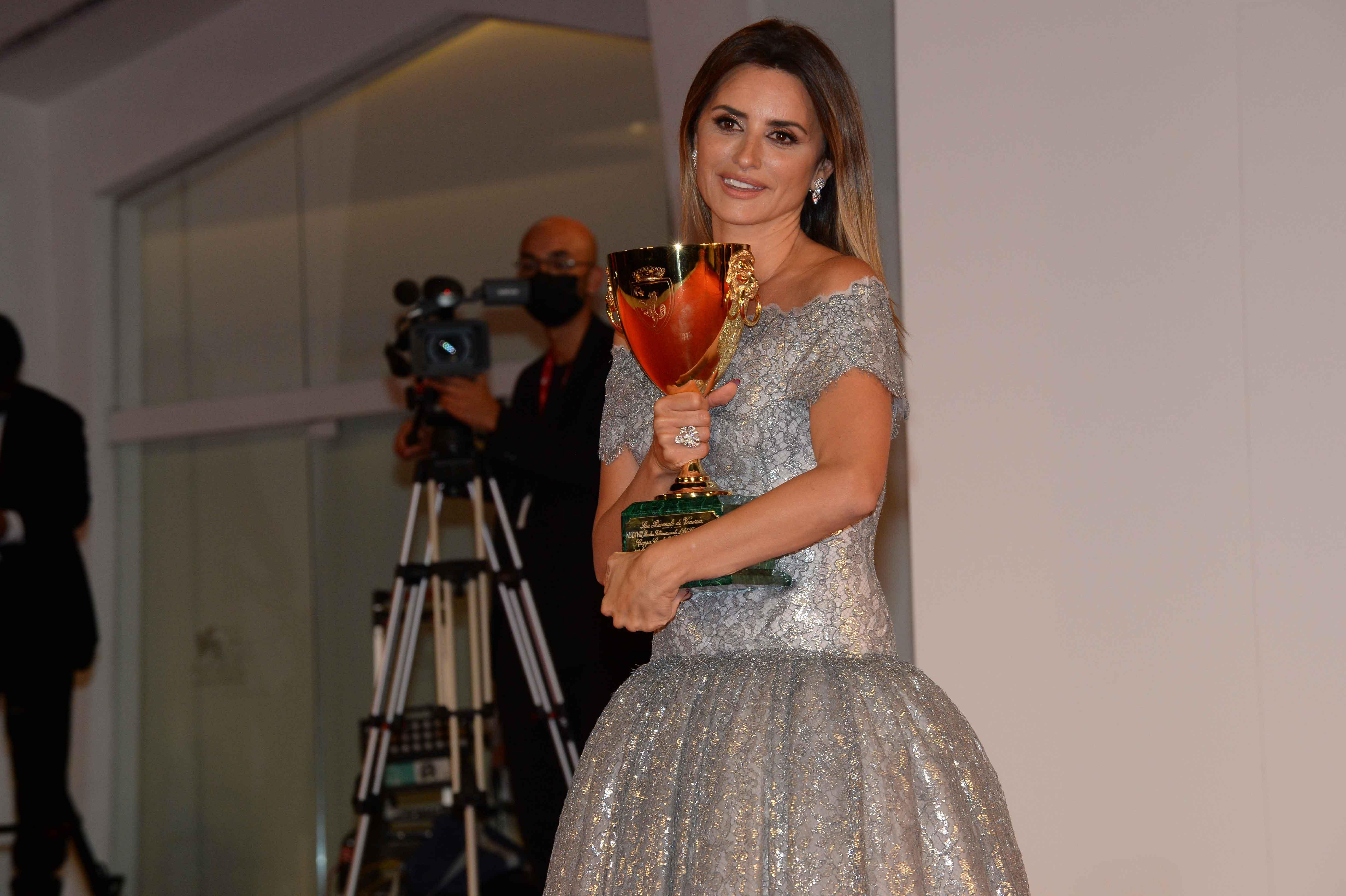 Coppa Volpi miglior interpretazione femminile a Penélope Cruz, Madres Paralelas