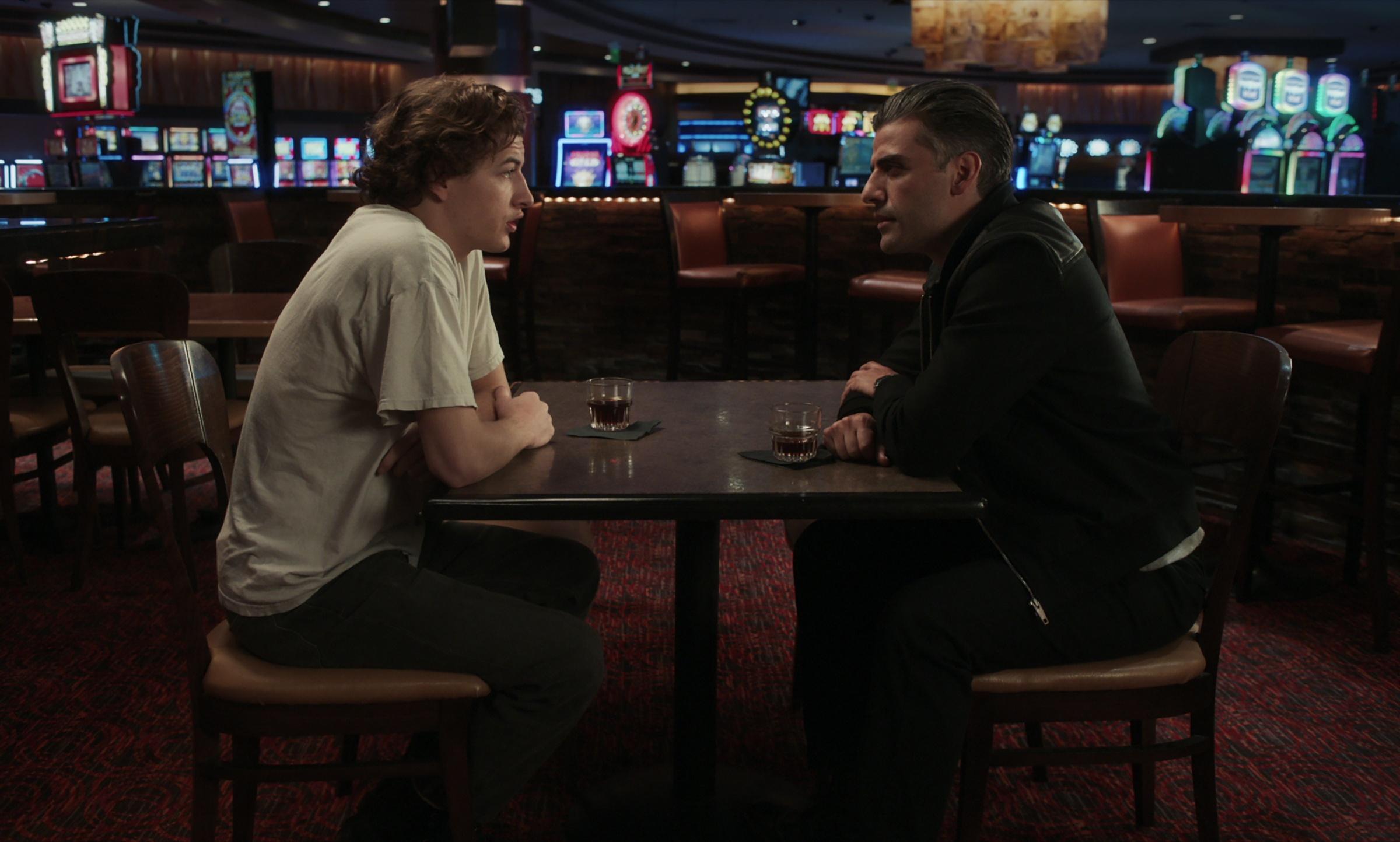 Il collezionista di carte recensione film di Paul Schrader con Oscar Isaac