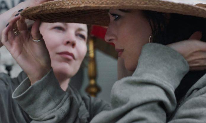 The Lost Daughter recensione film di Maggie Gyllenhaal con Olivia Colman