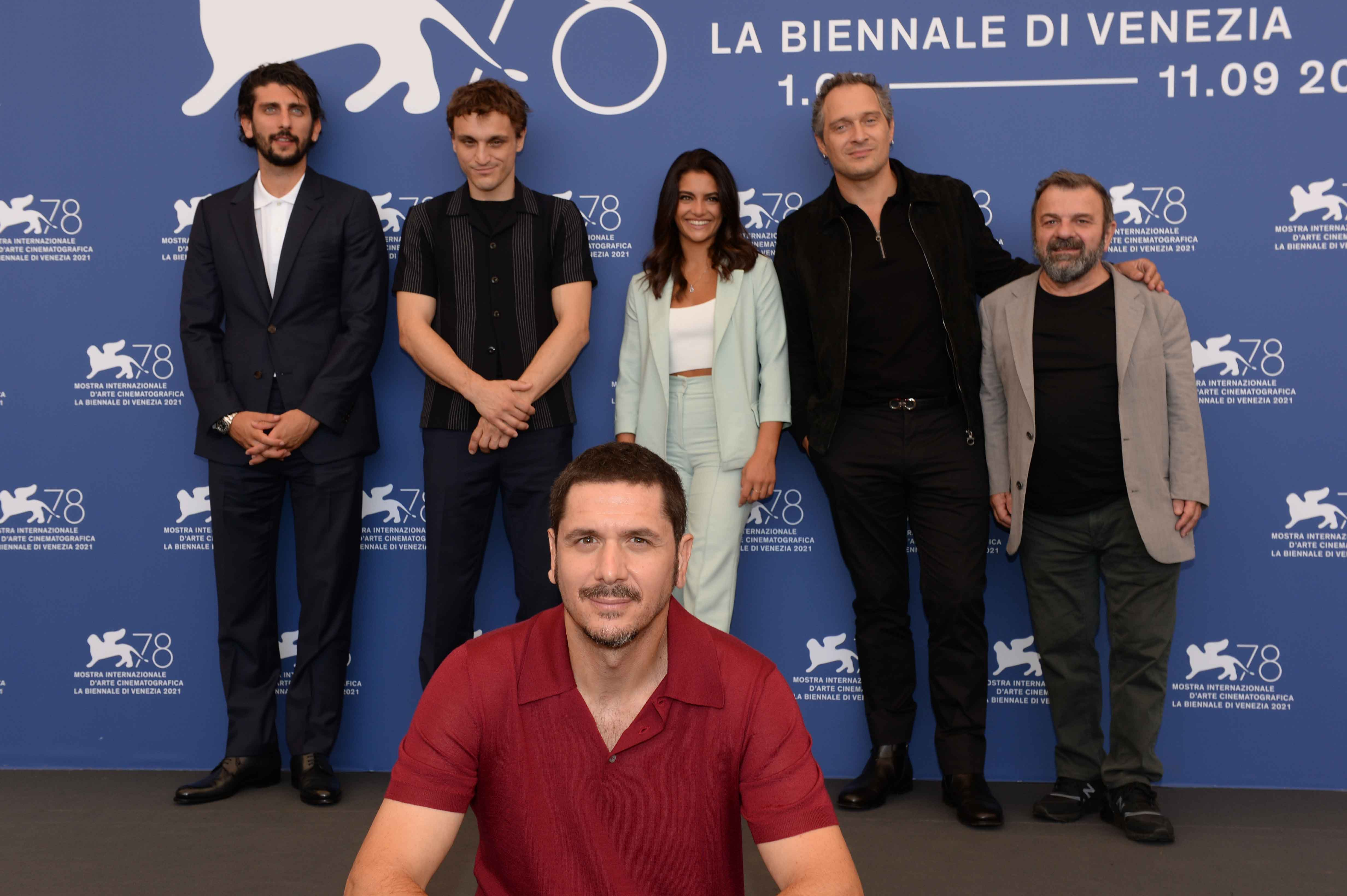 Il cast di Freaks Out alla Mostra del Cinema di Venezia 78
