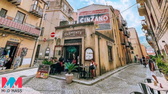 Indiana Jones 5 foto delle riprese in Italia: il bar Clemente Caffè e il Tempio di Segesta in Sicilia