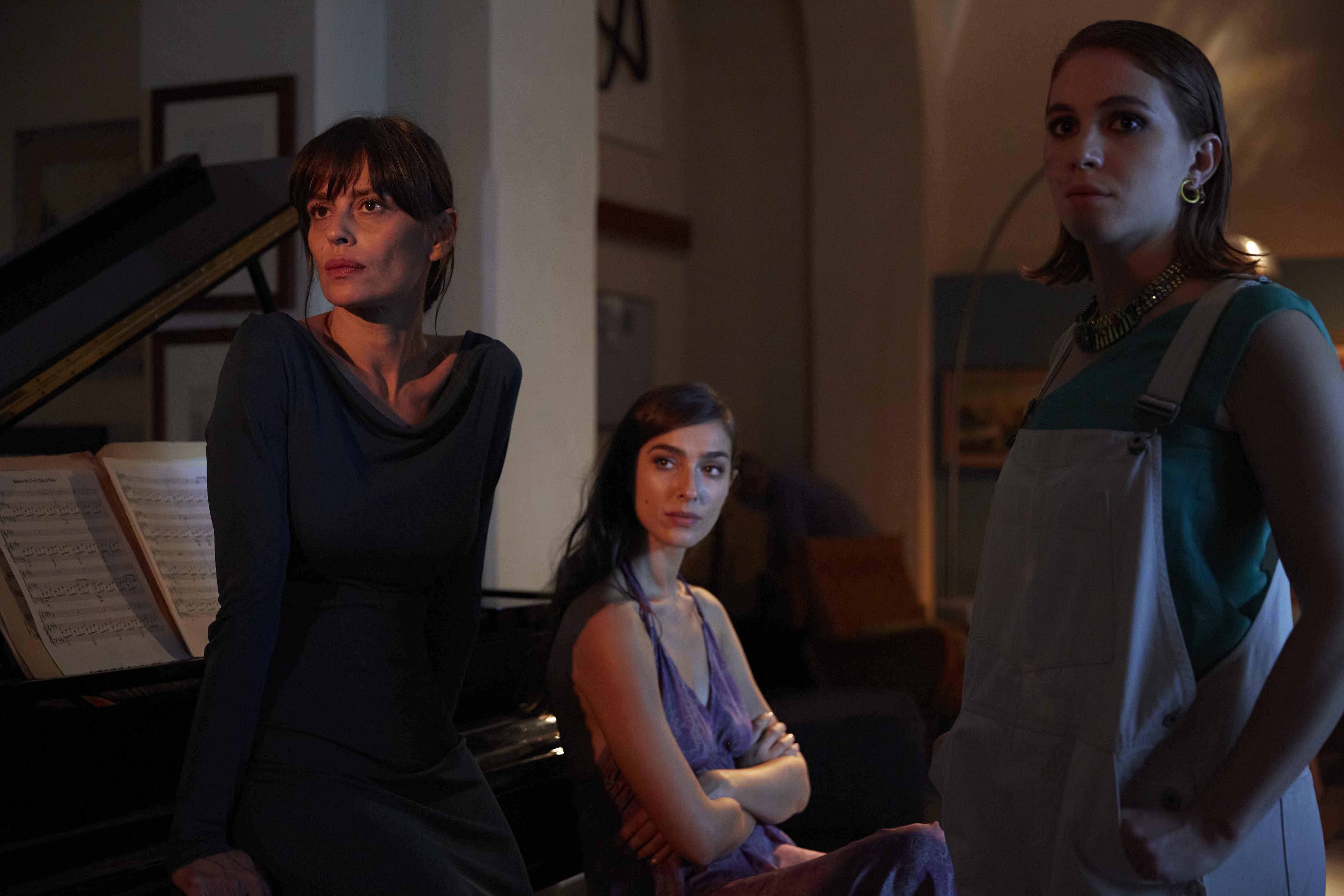 Claudia Pandolfi, Stella Egitto e Ludovica Martino