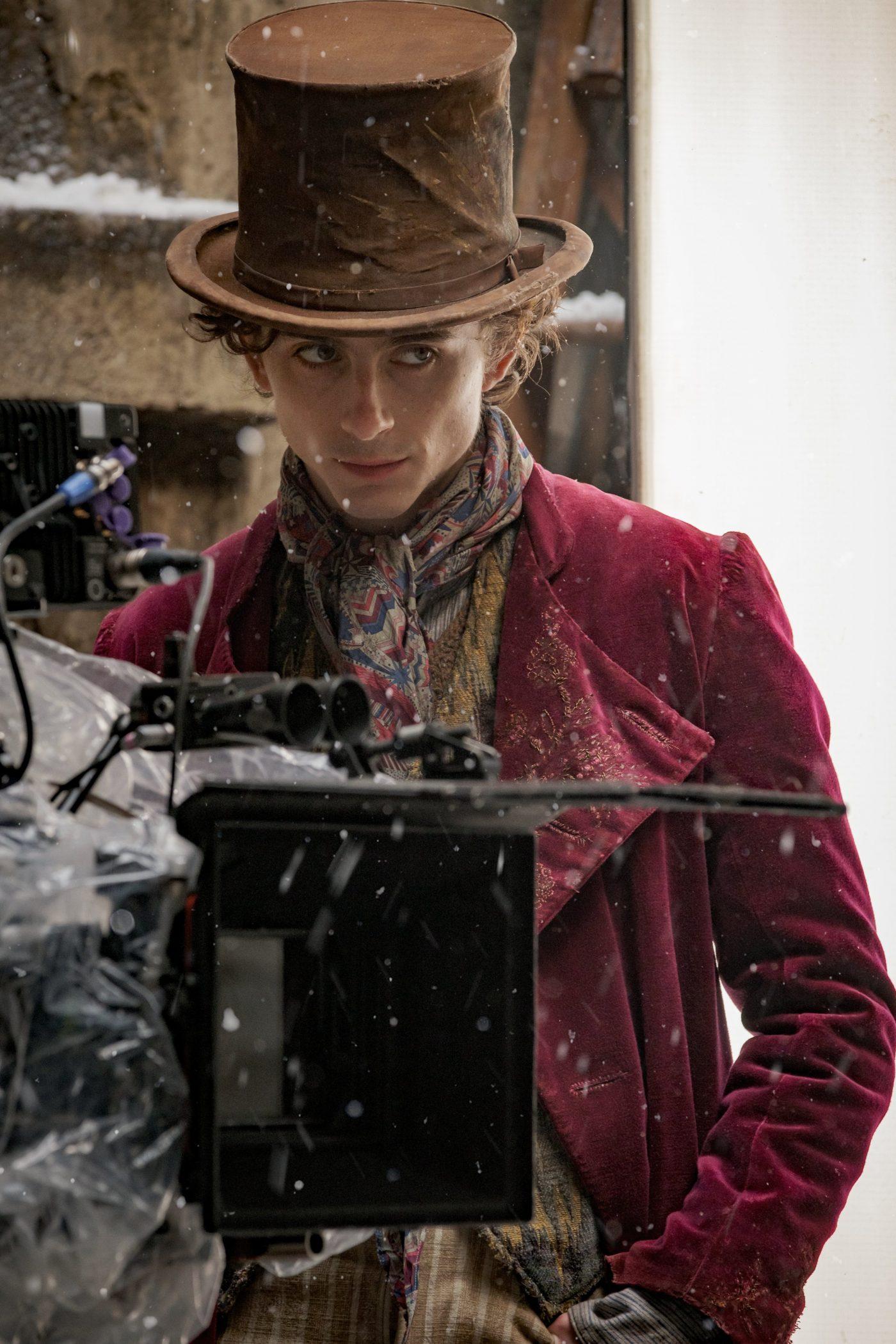 Wonka: Timothée Chalamet nelle prime foto dal set come Willy Wonka